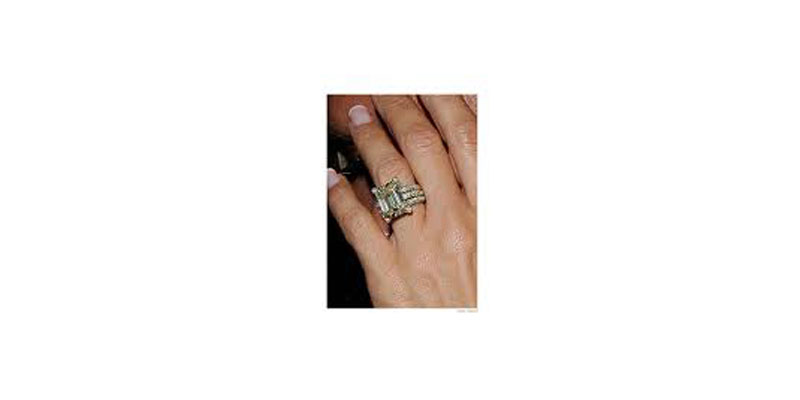 yellow emerald-cut diamond Ring