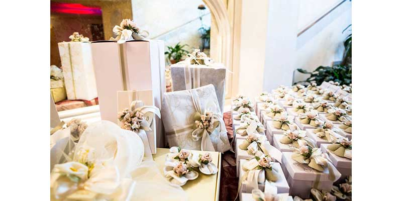 Wedding Traditions - The Gift of Giving