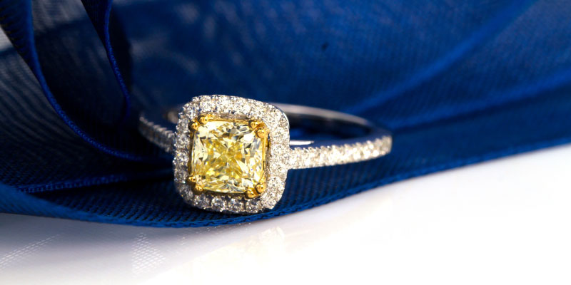 What does a yellow diamond engagement ring mean?