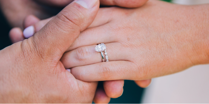 What Size Carat is Best for a Diamond Engagement Ring?